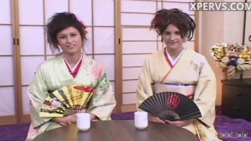 Two nice geishas for fuck :)